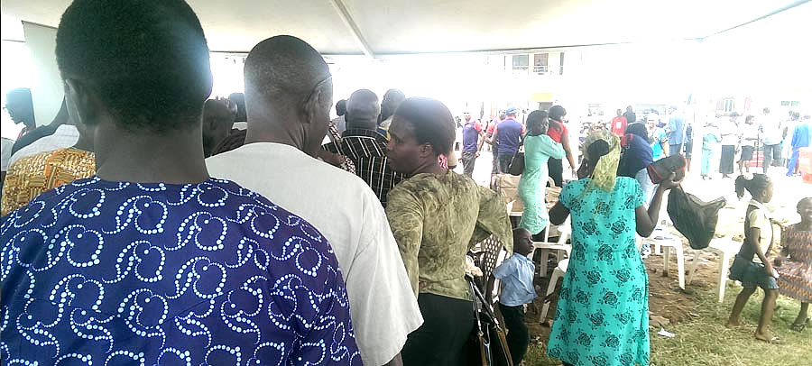 """Reals participating at the """"ANNUAL FREE MEDICAL MISSION"""" in Alimosho LGA by Doctors on air"""
